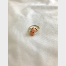 14 KT Yellow Gold Ring with Coral and Sea Pearl