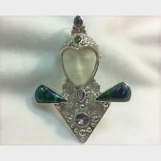Sajen Goddess Pin / Pendant  with Azurite, Amethyst and Peridot
