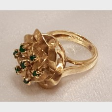 14K Gold Ribbon Style with Emerald Ring